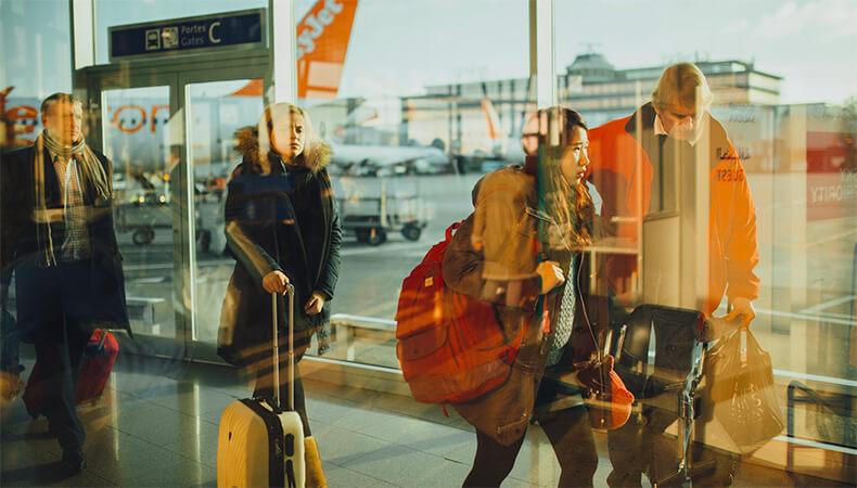 posteaza-cu-metroul-la-aeroport