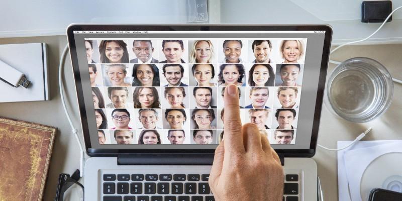 Cum sa intalni i femeile pe Internet