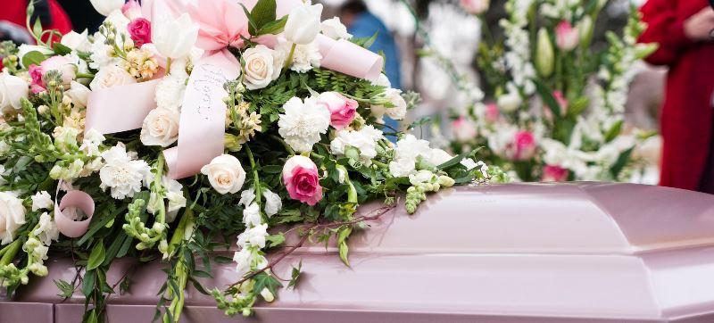 flori la inmormantare